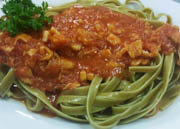 Spinach Fettuccine with red clam sauce